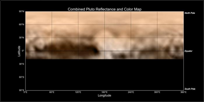 Cette carte de Pluton a été créé à partir d'images prises du 27 Juin au 3 Juillet par le Long Range Reconnaissance Imager (LORRI) de New Horizons, combinées avec des données de couleur basse résolution de l'instrument Ralph. Elle montre un large éventail de marques sombres et lumineuses de différentes tailles et formes. (Crédits: NASA-JHUAPL-SWRI)